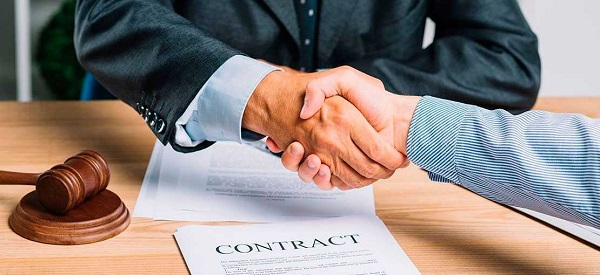 Que especifica el marco legal sobre el contrato de un abogado de accidentes de trafico